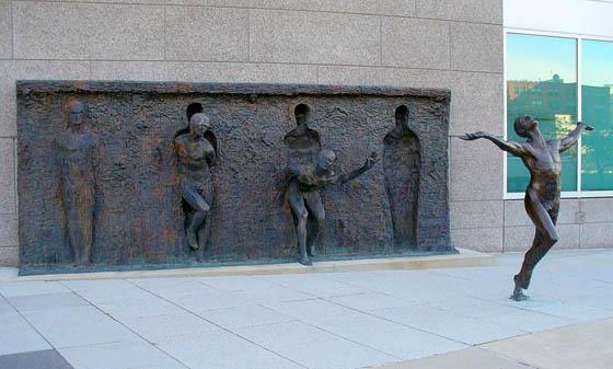 """Le più belle sculture del mondo10 <img src=""""images/"""" width="""""""" height="""""""" alt=""""your_alt"""">"""